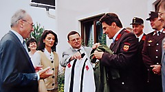 Uniformübergabe an Bundeskanzler Viktor Klima