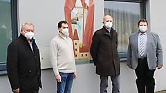 Führungsduo Neu und Alt in Ollersdorf